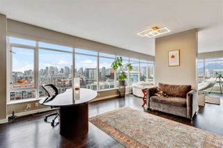 """Photo 4: 1401 1661 ONTARIO Street in Vancouver: False Creek Condo for sale in """"Millennium Water"""" (Vancouver West)  : MLS®# R2521704"""