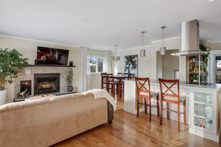 Photo 3: 42 Gladeview Crescent SW in Calgary: Glamorgan Detached for sale : MLS®# A1057775