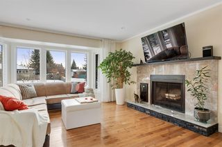 Photo 4: 42 Gladeview Crescent SW in Calgary: Glamorgan Detached for sale : MLS®# A1057775
