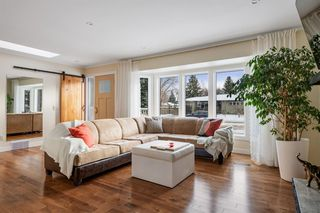 Photo 5: 42 Gladeview Crescent SW in Calgary: Glamorgan Detached for sale : MLS®# A1057775