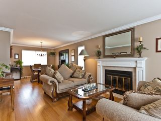 "Photo 3: 14743 69A Avenue in SURREY: East Newton House for sale in ""Chimney Heights"" (Surrey)  : MLS®# F1210167"