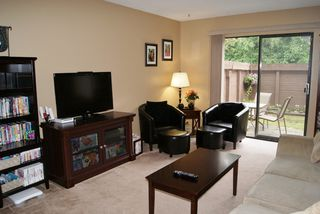 "Photo 2: 127 14165 104TH Avenue in SURREY: Whalley Townhouse for sale in ""HAWTHORNE PARK"" (North Surrey)  : MLS®# F1215456"