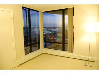 """Photo 8: 801 151 W 2ND Street in North Vancouver: Lower Lonsdale Condo for sale in """"SKY"""" : MLS®# V975019"""