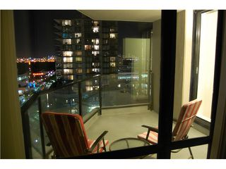 """Photo 9: 801 151 W 2ND Street in North Vancouver: Lower Lonsdale Condo for sale in """"SKY"""" : MLS®# V975019"""
