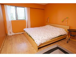 """Photo 5: 865 OLD LILLOOET Road in North Vancouver: Lynnmour Townhouse for sale in """"LYNNMOUR VILLAGE"""" : MLS®# V991952"""