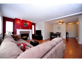 """Photo 4: 91 211 BEGIN Street in Coquitlam: Maillardville Condo for sale in """"Place Fountainebleau"""" : MLS®# V1023931"""