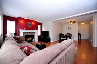 "Photo 4: 91 211 BEGIN Street in Coquitlam: Maillardville Condo for sale in ""Place Fountainebleau"" : MLS®# V1023931"