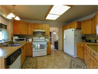 Photo 4: 1191 Woodheath Lane in VICTORIA: SE Sunnymead Single Family Detached for sale (Saanich East)  : MLS®# 332976