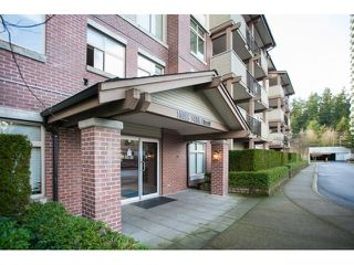 Photo 1: 201 10088 148 STREET in Surrey: Guildford Condo for sale (North Surrey)  : MLS®# R2146814