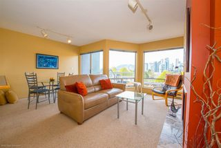 Photo 2: 11 973 W 7TH AVENUE in Vancouver: Fairview VW Townhouse for sale (Vancouver West)  : MLS®# R2358809
