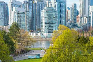 Photo 1: 11 973 W 7TH AVENUE in Vancouver: Fairview VW Townhouse for sale (Vancouver West)  : MLS®# R2358809