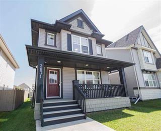 Photo 2: 3631 13 Street in Edmonton: Zone 30 House for sale : MLS®# E4166586