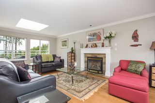 Photo 3: 16353 28 AVENUE in Surrey: Grandview Surrey House for sale (South Surrey White Rock)  : MLS®# R2375201