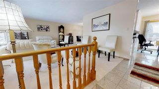 Photo 8: 331 Whiteswan Drive in Saskatoon: Lawson Heights Residential for sale : MLS®# SK795688
