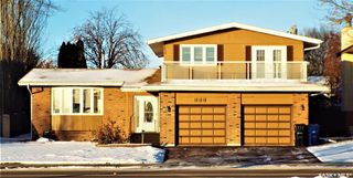 Photo 1: 331 Whiteswan Drive in Saskatoon: Lawson Heights Residential for sale : MLS®# SK795688