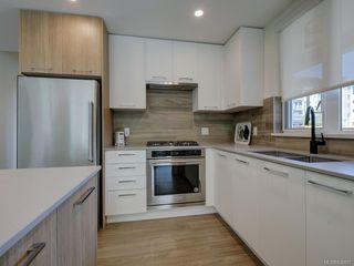 Photo 11: 101 960 Reunion Ave in Langford: La Langford Proper Condo for sale : MLS®# 838807