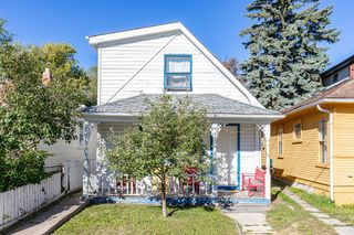 Main Photo: 1413 1 Street NW in Calgary: Crescent Heights Detached for sale : MLS®# A1032092