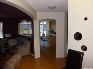 Photo 3: 17 castle Place in Regina: Whitmore Park Residential for sale : MLS®# SK828904