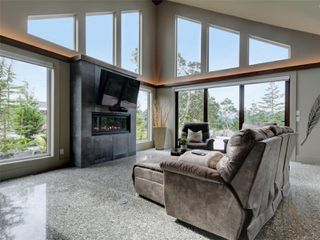 Photo 2: 1488 Pebble Pl in : La Bear Mountain House for sale (Langford)  : MLS®# 857886