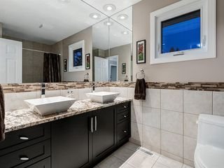 Photo 33: 211 Silvergrove Place NW in Calgary: Silver Springs Detached for sale : MLS®# A1042905