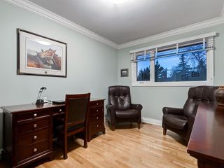 Photo 36: 211 Silvergrove Place NW in Calgary: Silver Springs Detached for sale : MLS®# A1042905