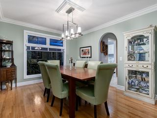 Photo 17: 211 Silvergrove Place NW in Calgary: Silver Springs Detached for sale : MLS®# A1042905