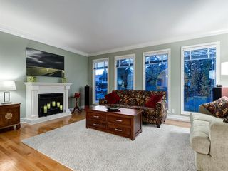 Photo 19: 211 Silvergrove Place NW in Calgary: Silver Springs Detached for sale : MLS®# A1042905