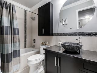 Photo 30: 211 Silvergrove Place NW in Calgary: Silver Springs Detached for sale : MLS®# A1042905