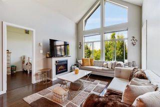 """Photo 2: # 412 15388 101 Avenue in Surrey: Guildford Condo for sale in """"Ascada"""" (North Surrey)  : MLS®# R2509512"""