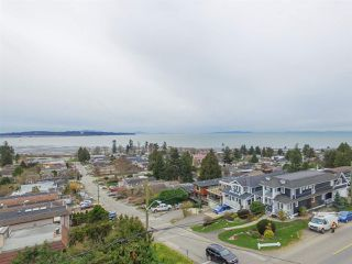 """Photo 4: 15765 PACIFIC Avenue: White Rock House for sale in """"White Rock"""" (South Surrey White Rock)  : MLS®# R2511495"""