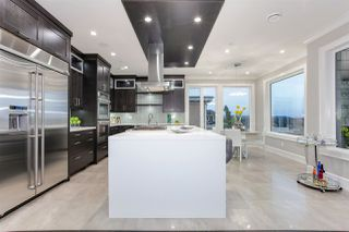 """Photo 20: 15765 PACIFIC Avenue: White Rock House for sale in """"White Rock"""" (South Surrey White Rock)  : MLS®# R2511495"""