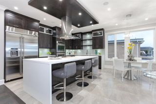 """Photo 19: 15765 PACIFIC Avenue: White Rock House for sale in """"White Rock"""" (South Surrey White Rock)  : MLS®# R2511495"""