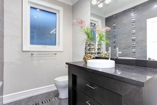 """Photo 24: 15765 PACIFIC Avenue: White Rock House for sale in """"White Rock"""" (South Surrey White Rock)  : MLS®# R2511495"""