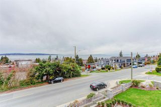 """Photo 5: 15765 PACIFIC Avenue: White Rock House for sale in """"White Rock"""" (South Surrey White Rock)  : MLS®# R2511495"""