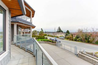 """Photo 14: 15765 PACIFIC Avenue: White Rock House for sale in """"White Rock"""" (South Surrey White Rock)  : MLS®# R2511495"""