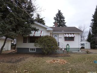 Photo 1: 233 main Street in Francis: Residential for sale : MLS®# SK831565