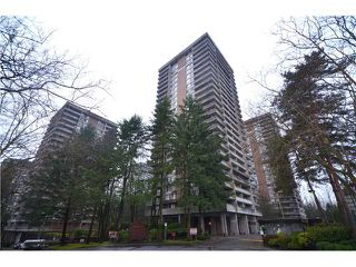 "Photo 4: 2404 3755 BARTLETT Court in Burnaby: Sullivan Heights Condo for sale in ""Timbelea/Oak"" (Burnaby North)  : MLS®# V981075"