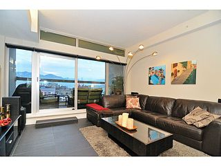 """Photo 2: 702 33 W PENDER Street in Vancouver: Downtown VW Condo for sale in """"33 Pender"""" (Vancouver West)  : MLS®# V987080"""