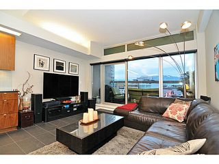 """Photo 3: 702 33 W PENDER Street in Vancouver: Downtown VW Condo for sale in """"33 Pender"""" (Vancouver West)  : MLS®# V987080"""