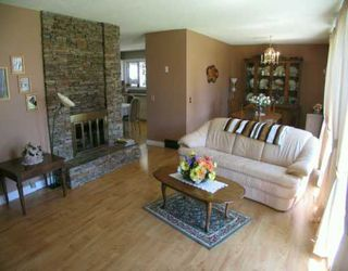 Photo 3:  in CALGARY: Huntington Hills Residential Detached Single Family for sale (Calgary)  : MLS®# C3176450