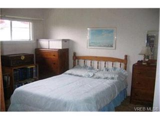 Photo 4:  in VICTORIA: Es Kinsmen Park House for sale (Esquimalt)  : MLS®# 363888