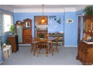 Photo 3:  in VICTORIA: Es Kinsmen Park Single Family Detached for sale (Esquimalt)  : MLS®# 363888