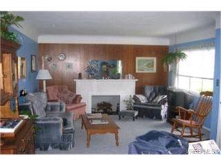 Photo 2:  in VICTORIA: Es Kinsmen Park Single Family Detached for sale (Esquimalt)  : MLS®# 363888