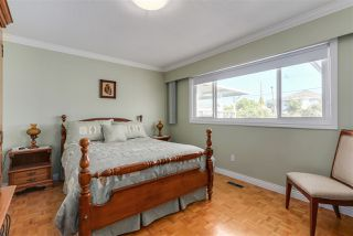 Photo 18: 4407 UNION STREET in Burnaby: Willingdon Heights House for sale (Burnaby North)  : MLS®# R2102499