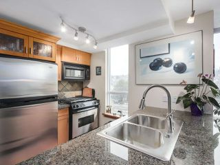 Photo 3: 308 7 RIALTO COURT in New Westminster: Quay Condo for sale : MLS®# R2145838