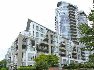 Photo 2: TH101 1383 MARINASIDE CRESCENT in Vancouver: Yaletown Townhouse for sale (Vancouver West)  : MLS®# R2260171
