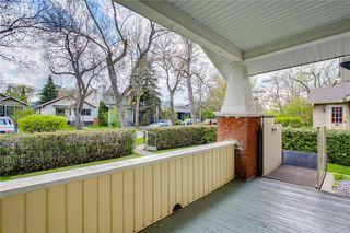 Photo 2: 224 8 AV NE in Calgary: Crescent Heights House for sale : MLS®# C4245594