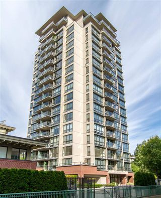 Photo 1: 1804 2959 GLEN DRIVE in Coquitlam: North Coquitlam Condo for sale : MLS®# R2398572