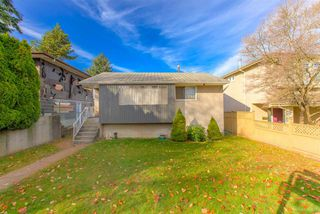 Photo 2: 3427 MONS Drive in Vancouver: Renfrew Heights House for sale (Vancouver East)  : MLS®# R2418455