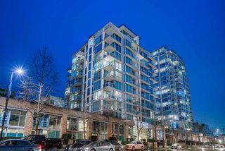 Main Photo: 1106 168 E ESPLANADE in North Vancouver: Lower Lonsdale Condo for sale : MLS®# R2433330